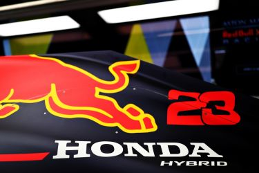 Red Bull extend Honda engine deal until 2021