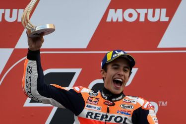 MotoGP signs Valencia race extension until 2026